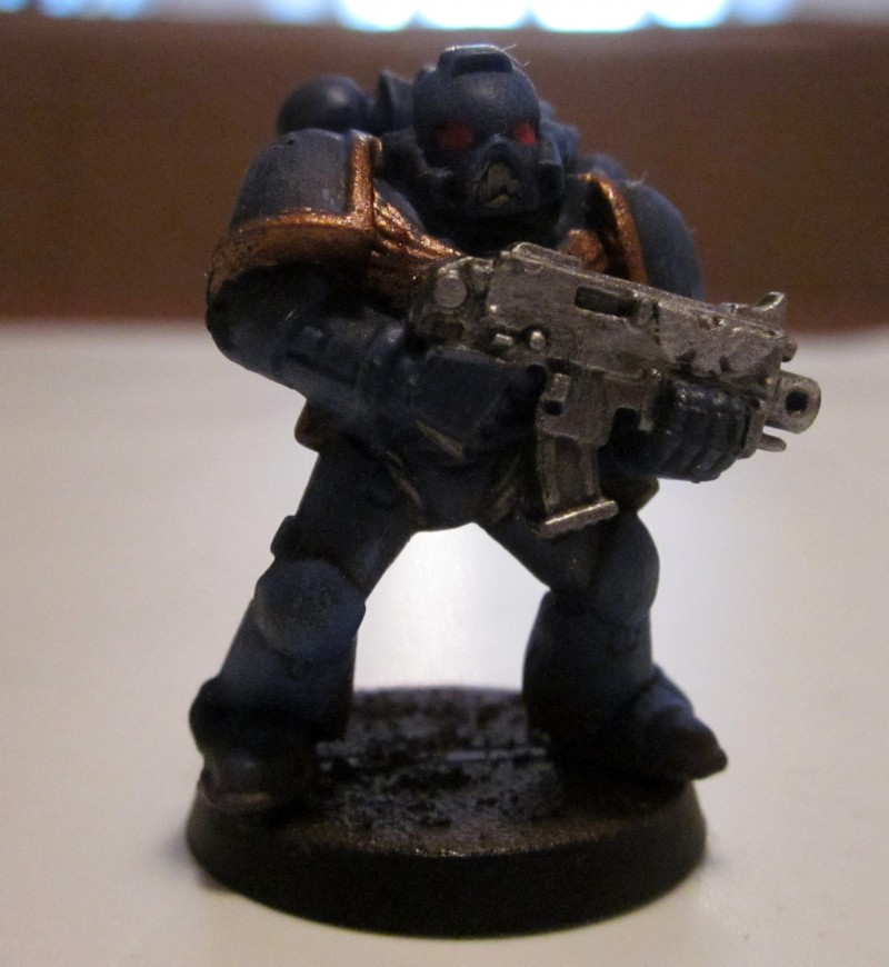 Space marine : ultramarine de face (2)