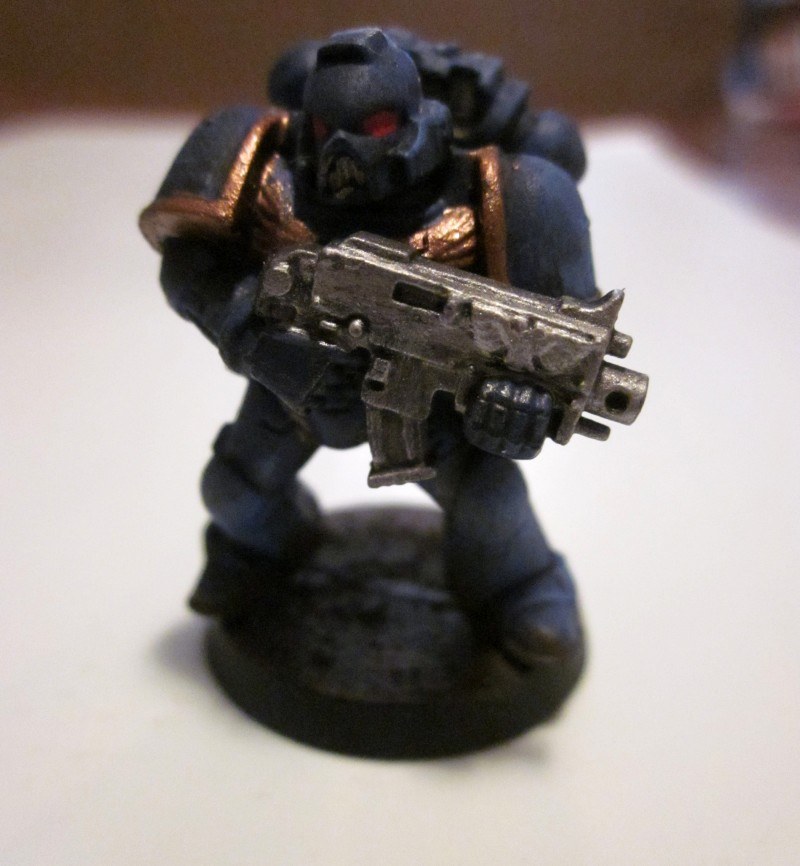Space marine : ultramarine de face