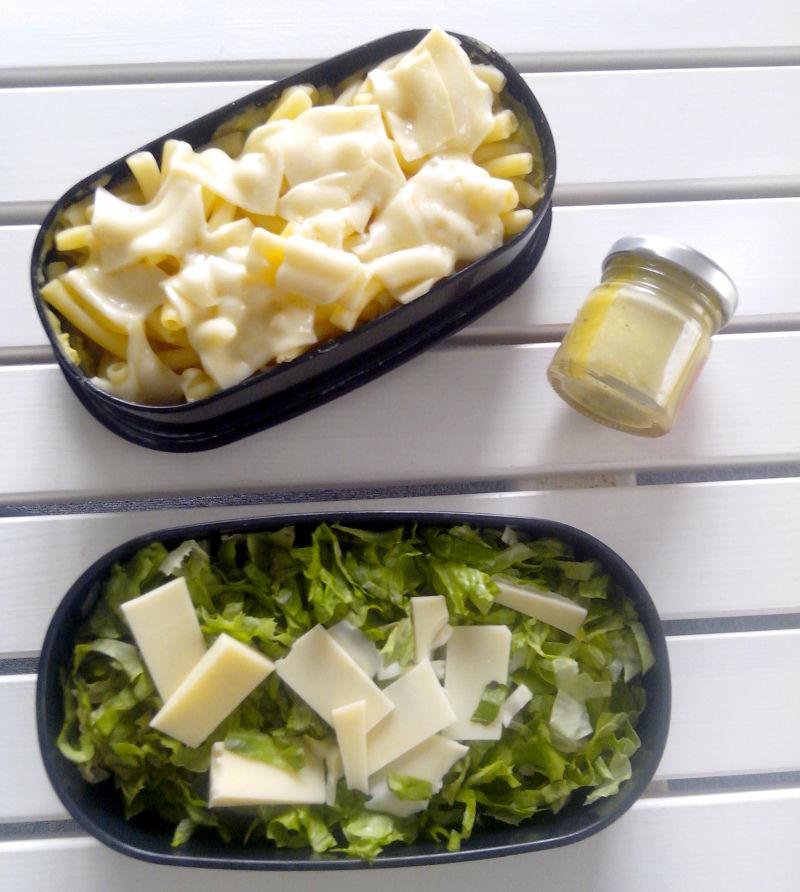 Bentô pâtes, salade, sauce moutarde et aneth