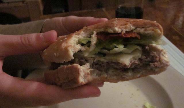 Burger entamé