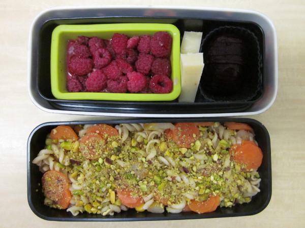 Bentô pâtes, carottes et pistaches
