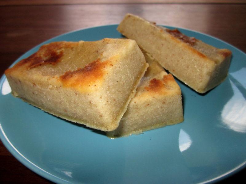 Petits gâteaux fondants végétaliens, avec fleur d'oranger et cannelle